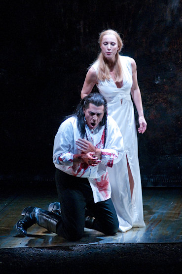macbeth s metamorphosis The core plot is about the corruption, by evil, of macbeth, how there is an apparent metamorphosis from a good, noble, loyal servant of the king (act 1, scene 2 is included to show just this), to a ghastly, treasonous, murderer.